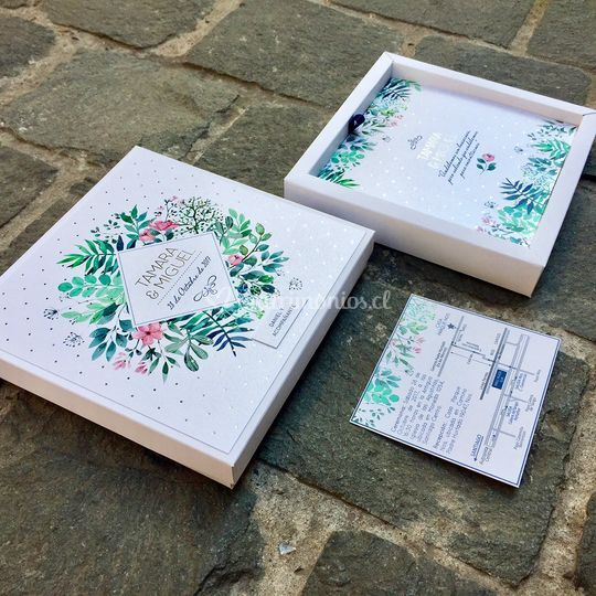 Invitación en caja con folia