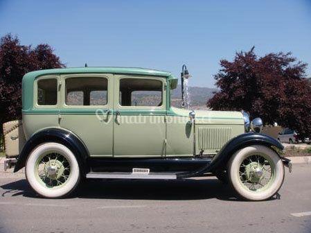 Ford A 1929 con techo