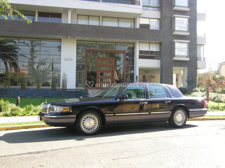 Lincoln Town Car Signature Series