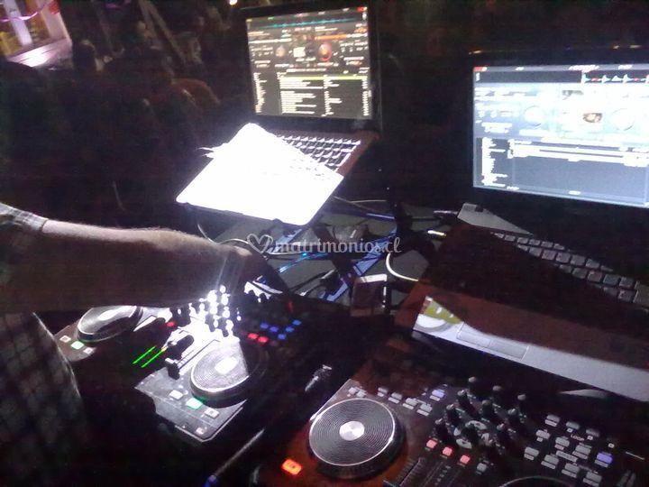 DJs en accion