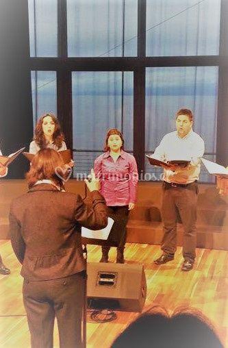 Cantando en Teatro del Lago