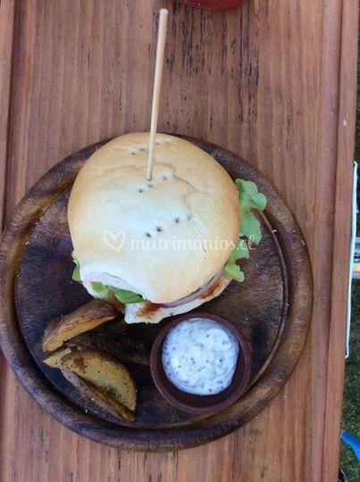 Sandwich + papas rústicas