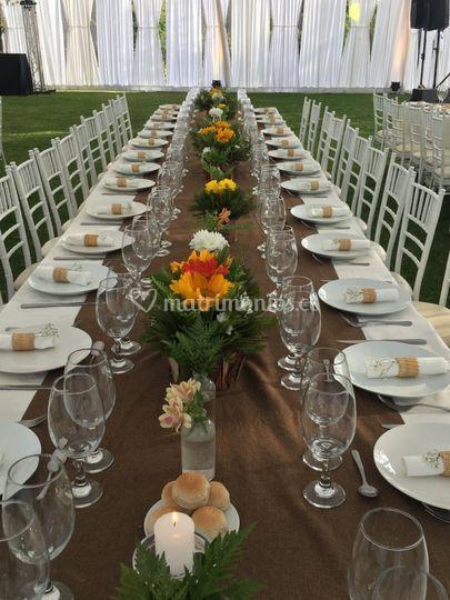 Mesa para 40 invitados