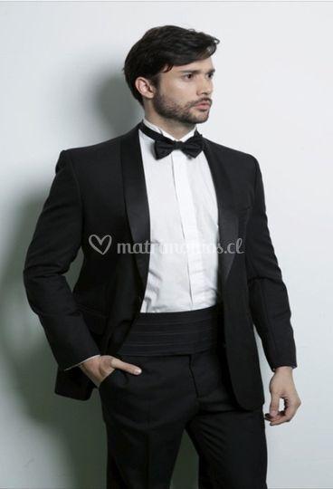Tuxedo negro solapa recta con