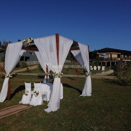 Pergola para boda al aire libr