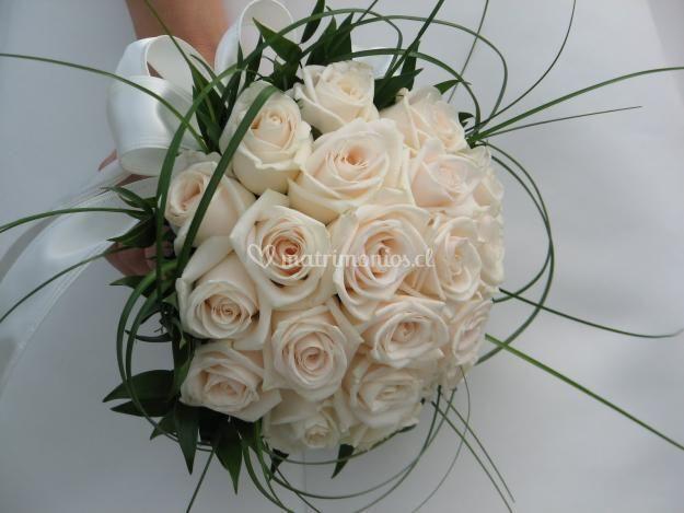 Ramo novia de rosas blancas