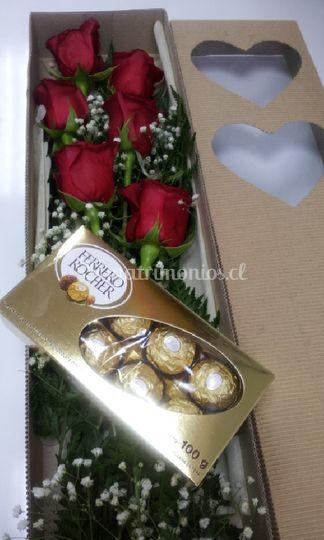 Caja de rosas con bombones