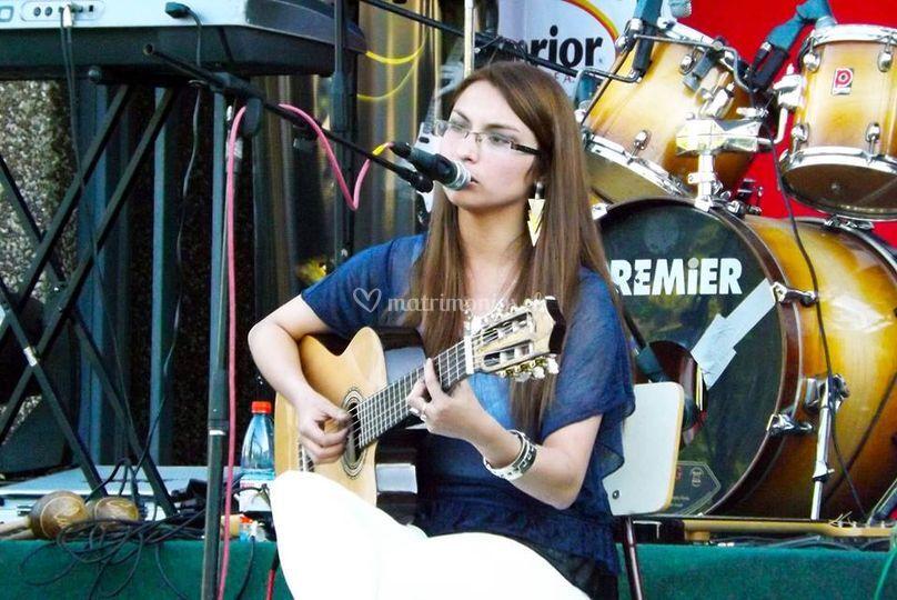 Guitarra acústica + voz