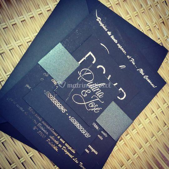 Invitación foil negro