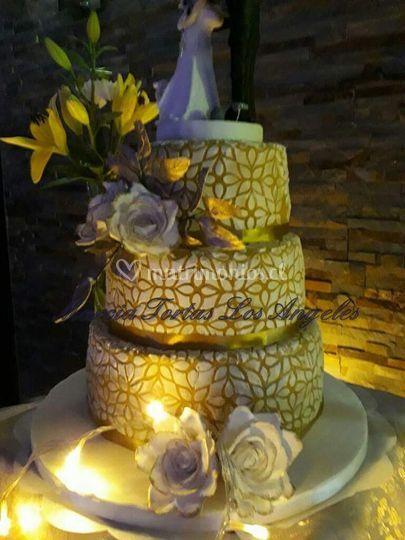 Torta decorada con stencil