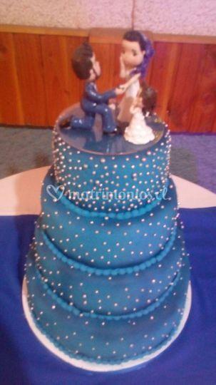 Torta azul y plata