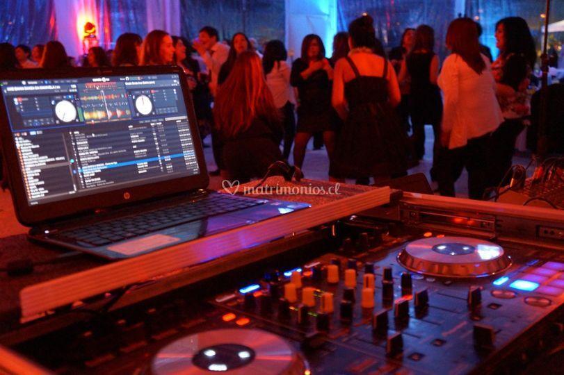 DJ super