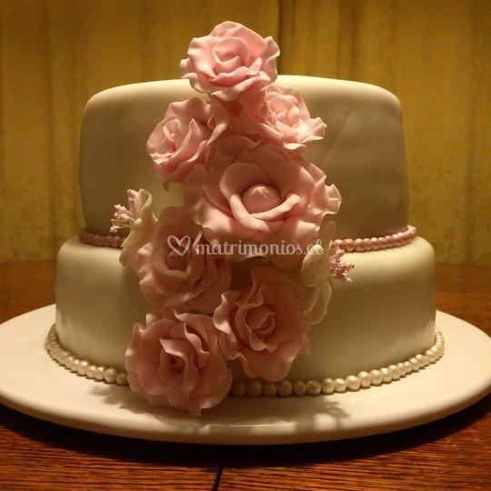 Torta de novios con rosas