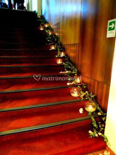 Escalera con pesceras y velas