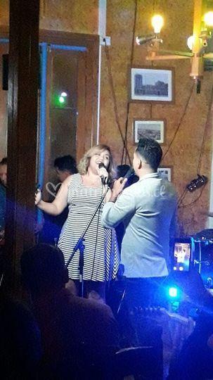 Cantando con amigos