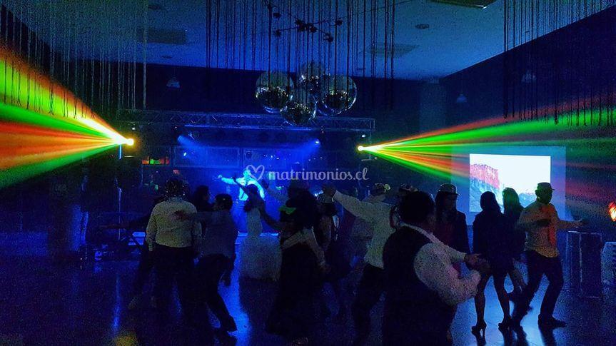 Música e iluminación para su matrimonio