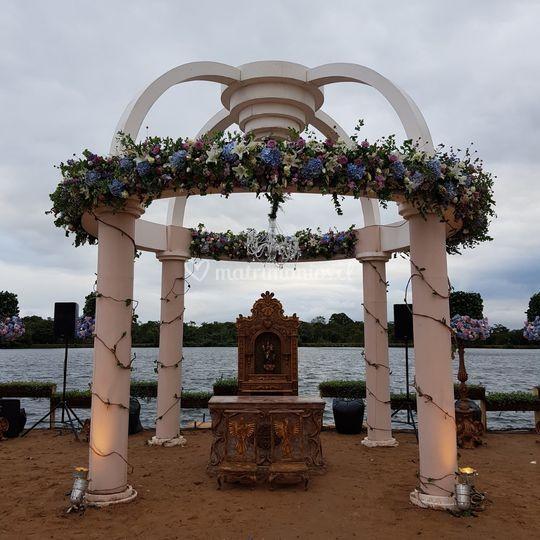 Cupula floral para ceremonia