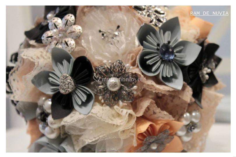 Ramo en flores de origami