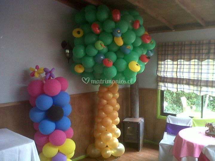 Árbol de frutas y flores