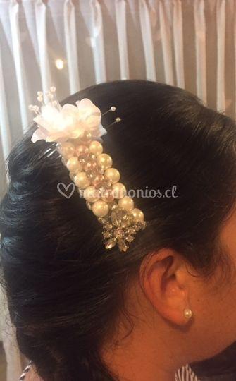 Arreglo de novia con perlas