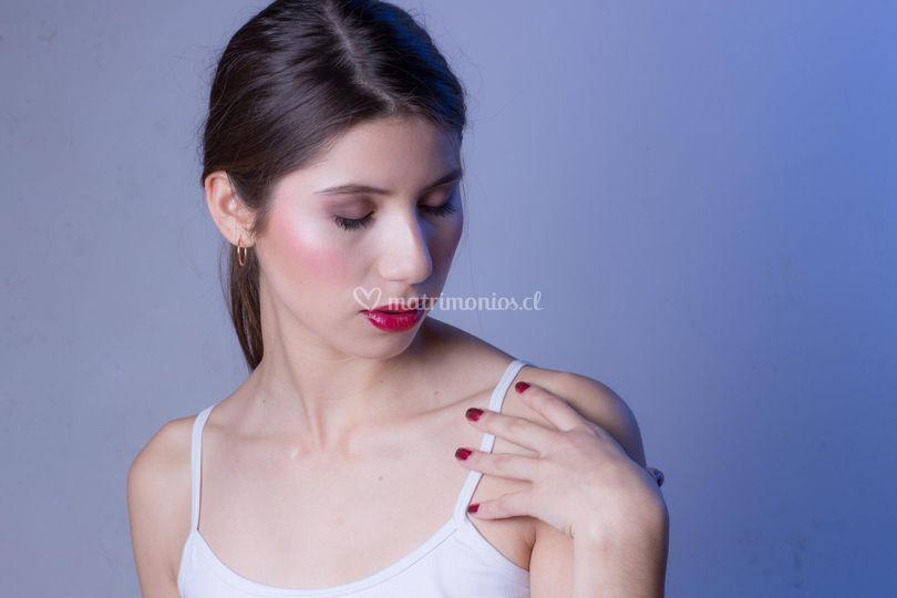 Manicure en degrade y labios