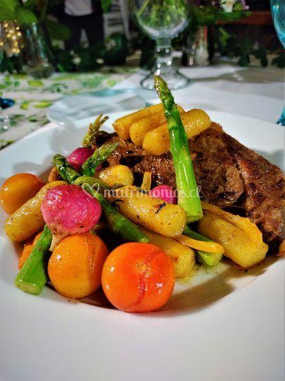 Lomo y vegetales