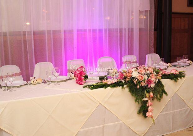 Elegante mesa principal