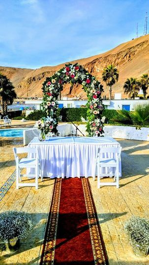 Confección de arco para bodas