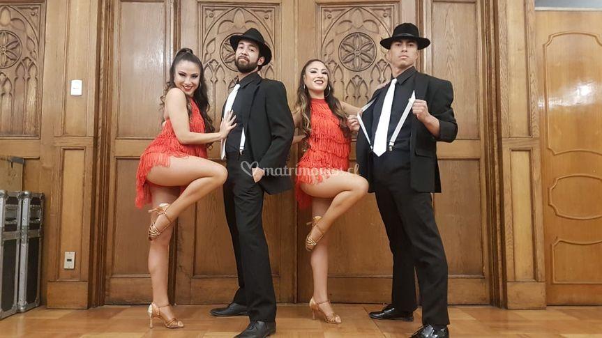 Bailarines y novios