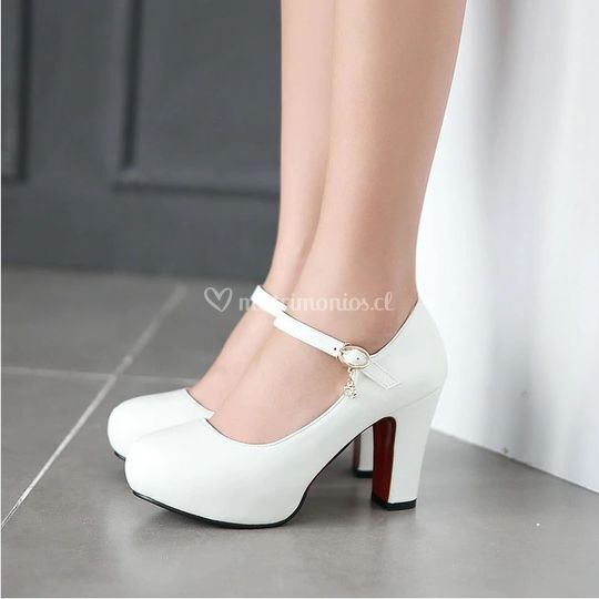 Zapato correa taco mediano