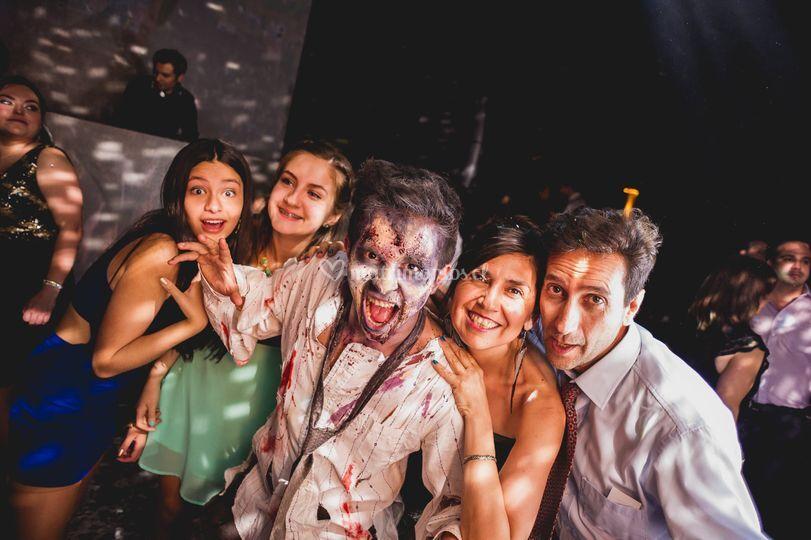 Zombies con invitados