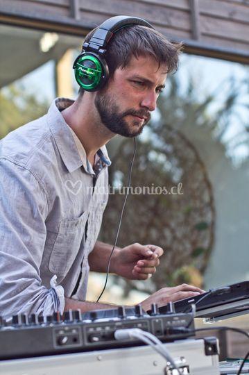 DJ Demetrio González