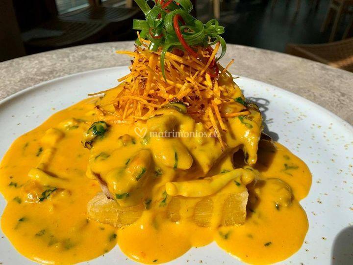 Delicias de gastronomía peruana
