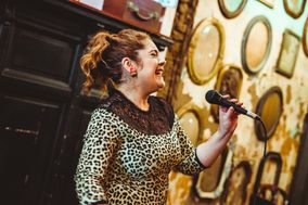 Natalia Fairlie - Cantante