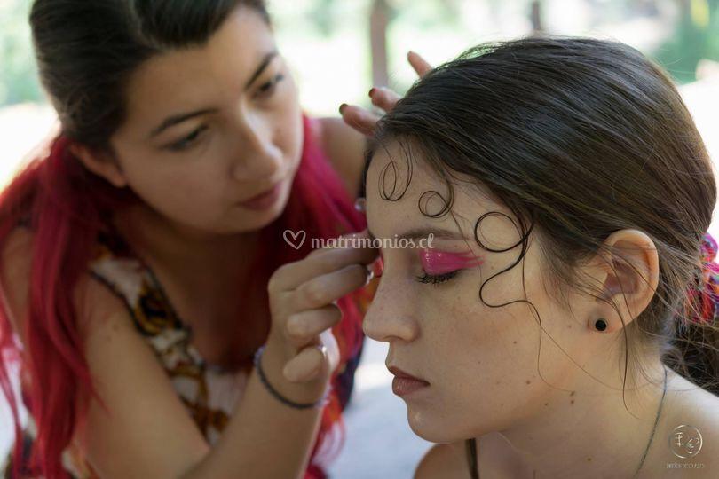 Sesión de maquillaje artístico