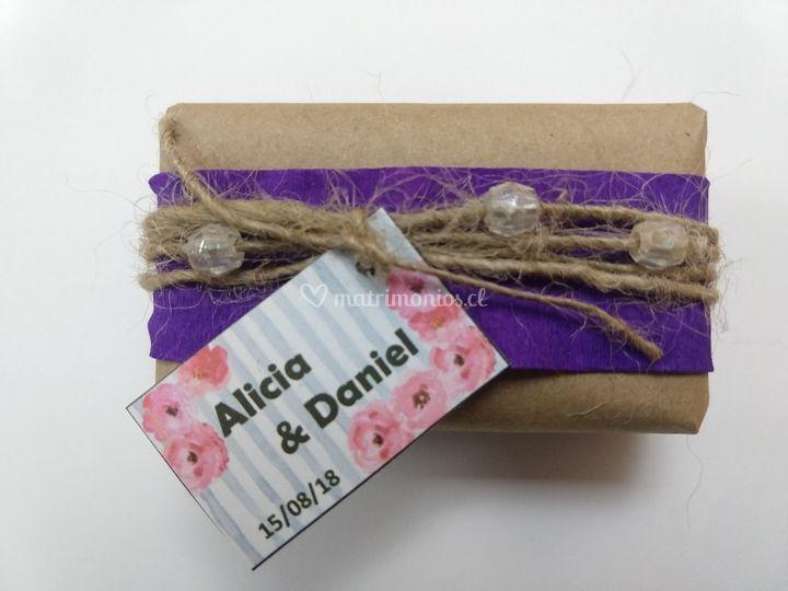 Etiquetas y paquetes