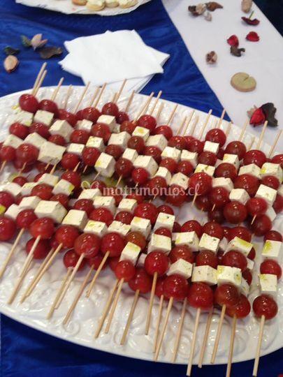 Brochetas de tomate cherry