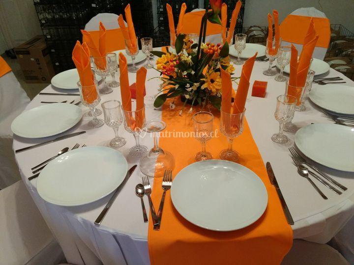 Mesa en naranjo