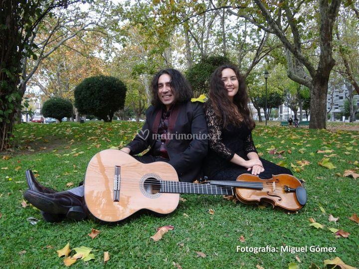 Dúo viola y guitarra