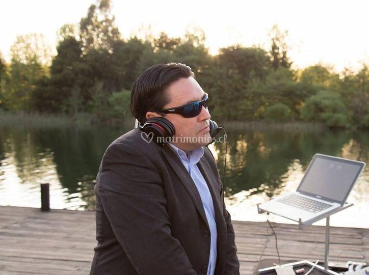 DJ Gerardo Alarcón