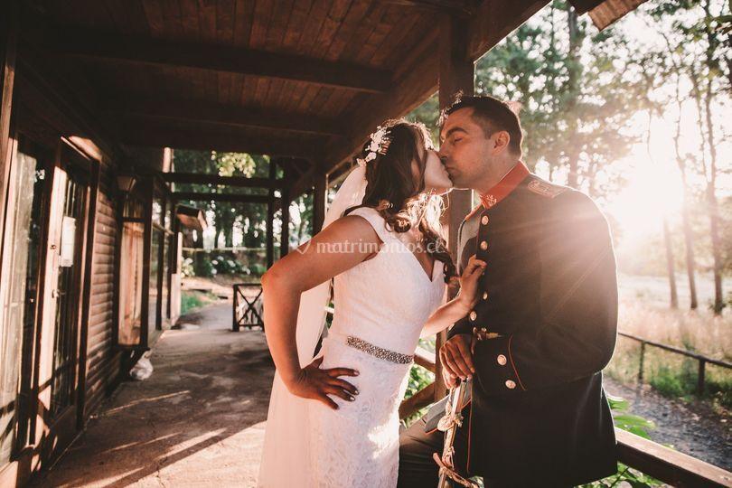 Beso recién casados