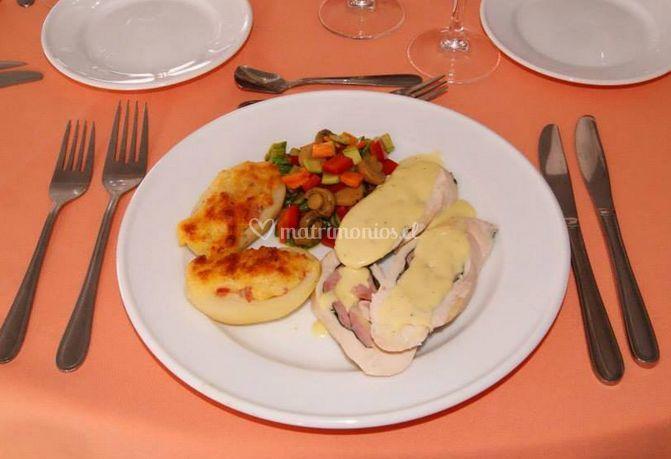 Pollo, papas y verduras