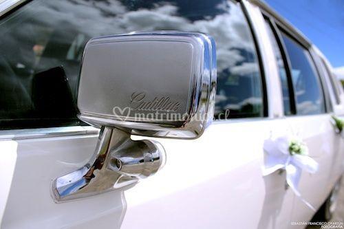 Limusina cásica Cadillac Blan