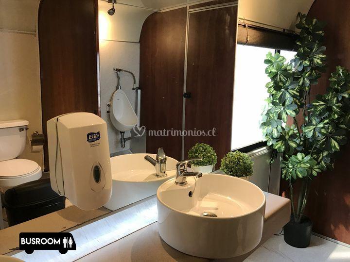 2210b6932a81 4 baños para hombres de Busroom - Baños de lujo | Foto 4