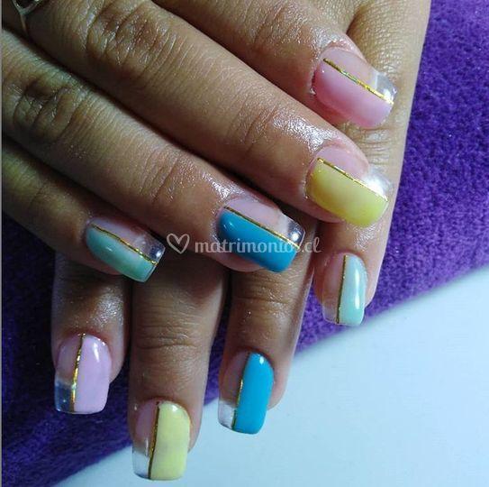 Tus uñas tanhya