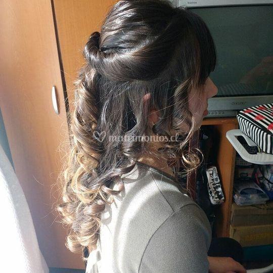 Peinado de novia de perfil