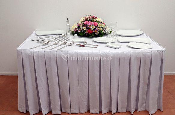 Faldones de mesa buffet de JH Eventos & Catering
