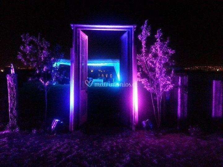 Puerta principal noche