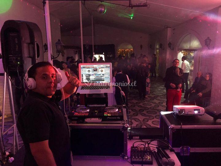 DJ en bailable Belén y Eduardo