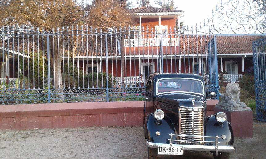 Frente a la casa de Quiroga
